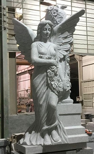 LARGE-ANGEL-statue-wRoses